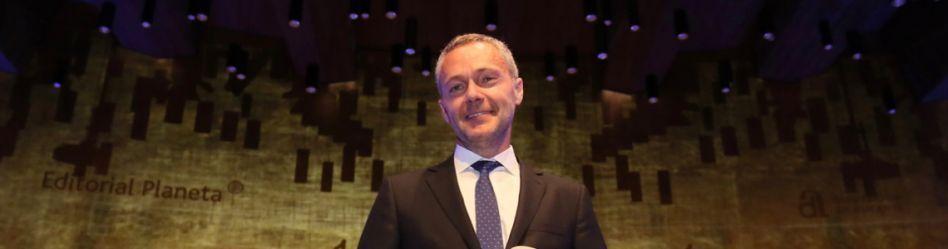 Joaquín Camps, ganador del Premio Azorín 2019 con 'La silueta del olvi [...]